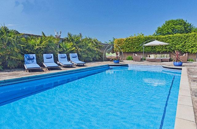 Impermacryl Super - para piscinas e reservatórios.