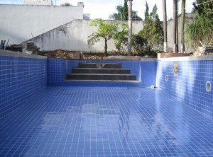 8 passos do tratamento de piscinas e reservatórios